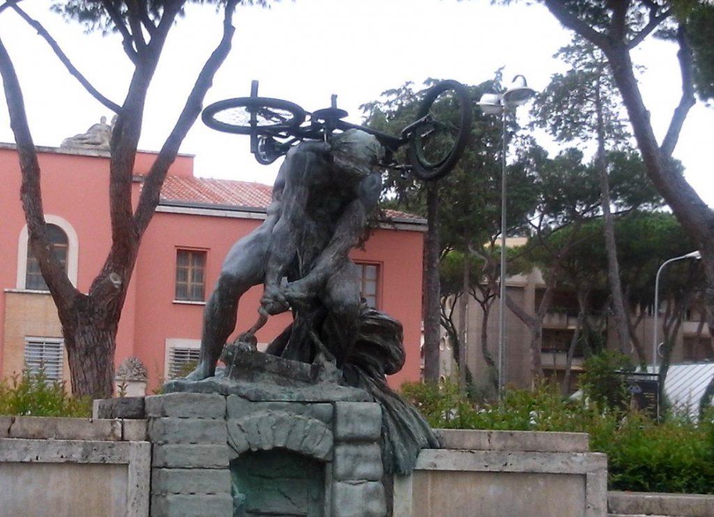 bicicletta-monumento-bonificatore-latina
