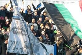 Calcio, Latina contestato dai tifosi dopo il 2-2 in casa. Chiappini vicino all'esonero