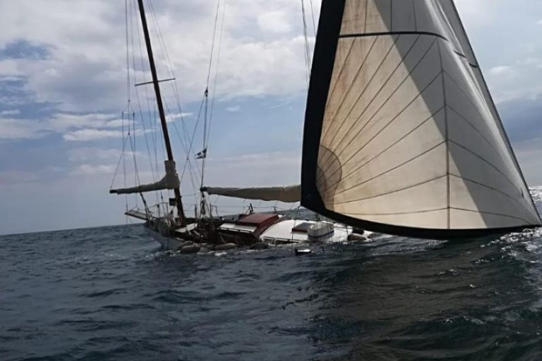 barca-affondata-gaeta