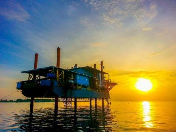 sunset, Malaysian Borneo dive rig