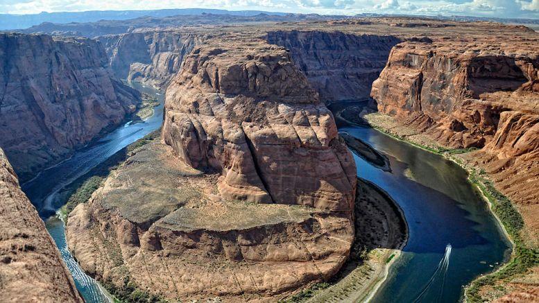 The Colorado River (en.wikipedia.org)