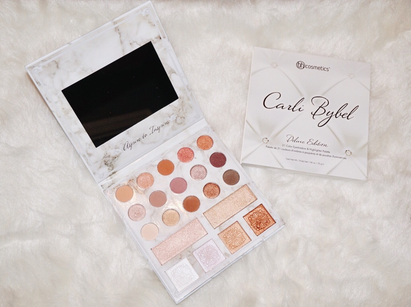 Carli Bybel. Deluxe Edition Palette评论& Swatches
