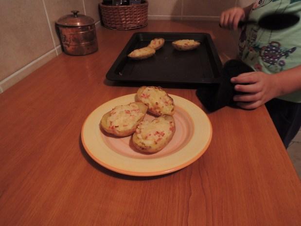 Găteşte cu Eliza, episodul 4 – Cartofi copţi de două ori
