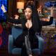 Nicki Minaj sufrió otro accidente con su escote y enseñó de más en plena entrevista