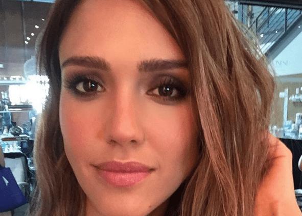 Jessica Alba sacó su lado más 'hot' en candente sesión de fotos