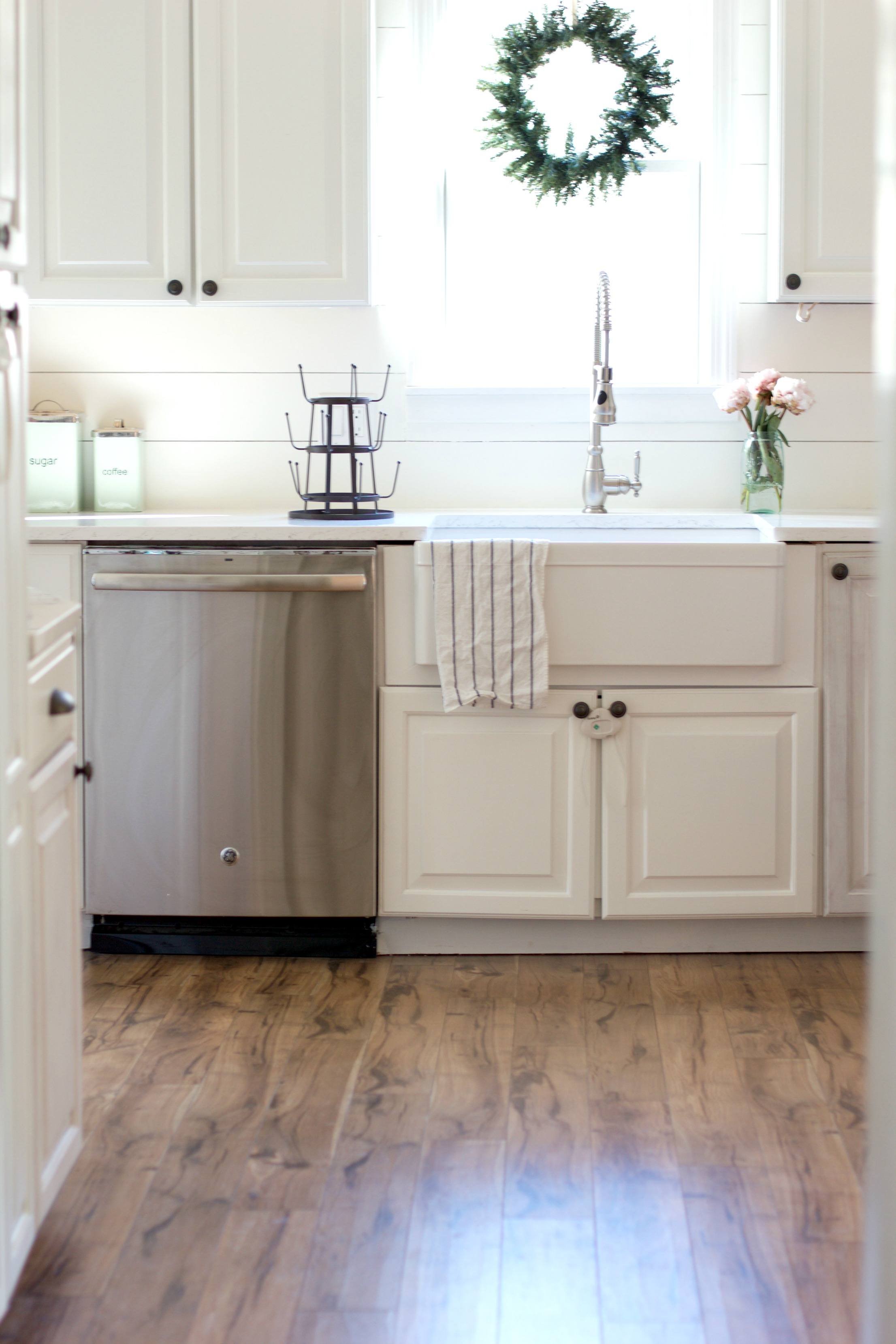 Tip and tricks on how to install pergo flooring lauren for Max floor
