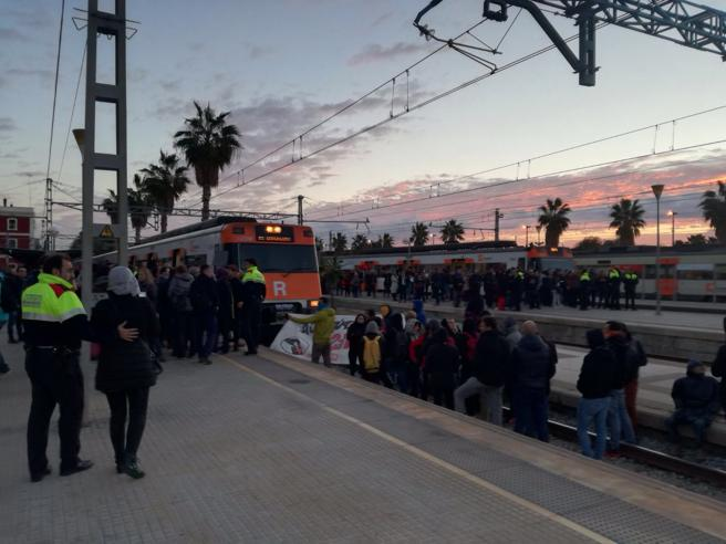 Corte de vías en la estación de Mataró