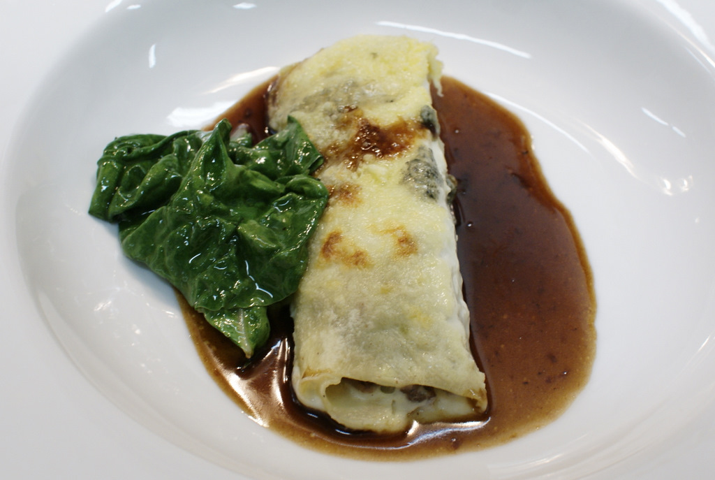 Braised oxtail cannelloni with blue cheese and chard - Laylita's ...
