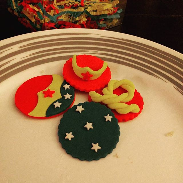 Wonder Woman themed Mother's Day petit fours...or at least some evidence that they once existed. #yum