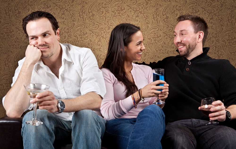 4 Common Social Situations Introverts Avoid