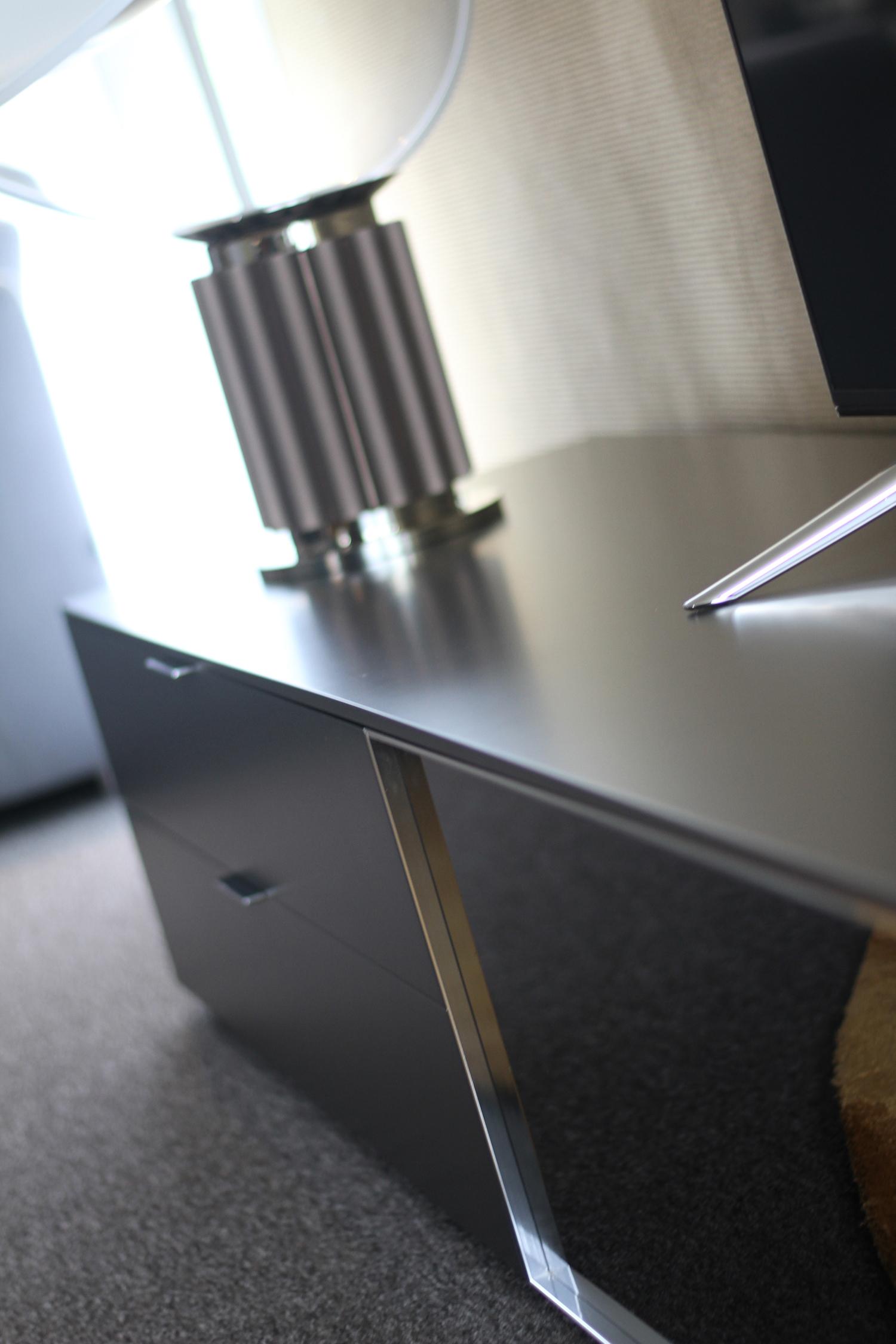 nouvel espace et nouveaut s design dans la villa le carr le buzz de rouen. Black Bedroom Furniture Sets. Home Design Ideas