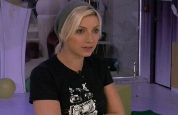 Nadege secret Story titille Thomas