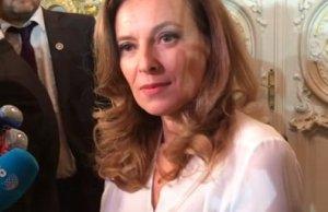 Valerie Trierweiler, son fils en prend a Cecilia Attias