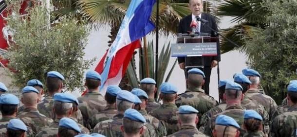 L'armée française s'apprête à intervenir militairement en Algérie Le-Drian_militaires