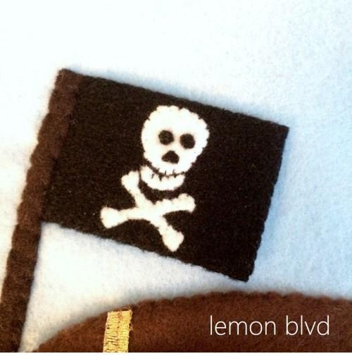 Quiet Book Pirate Flag - lemon blvd
