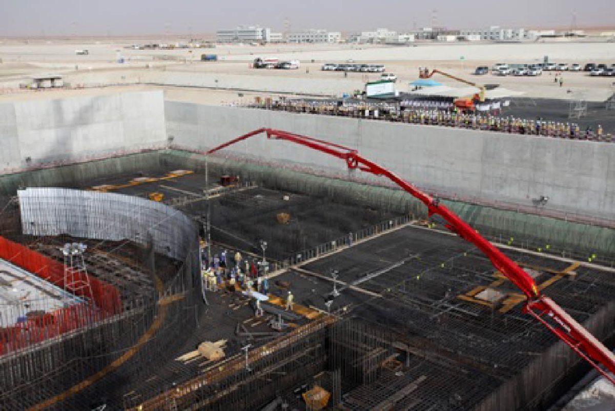 Les Émirats Arabes Unis installent leur premier réacteur nucléaire