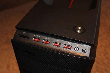 IO porty a tlačítko zapínání