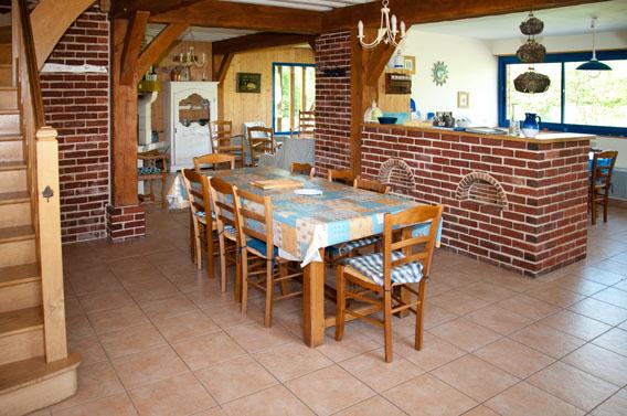 salle à manger gîte les bruyères carré moyaux calvados normandie