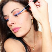 nyx vivid brights liner sapphire maquillage