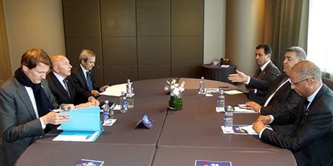 À Séville, Laftit s'entretient avec le ministre français de l'Intérieur