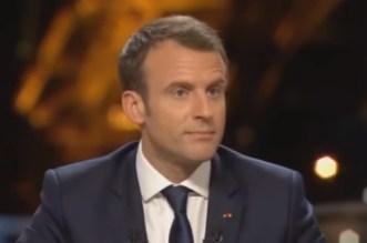 Ce que pense Emmanuel Macron du voile (VIDEO)
