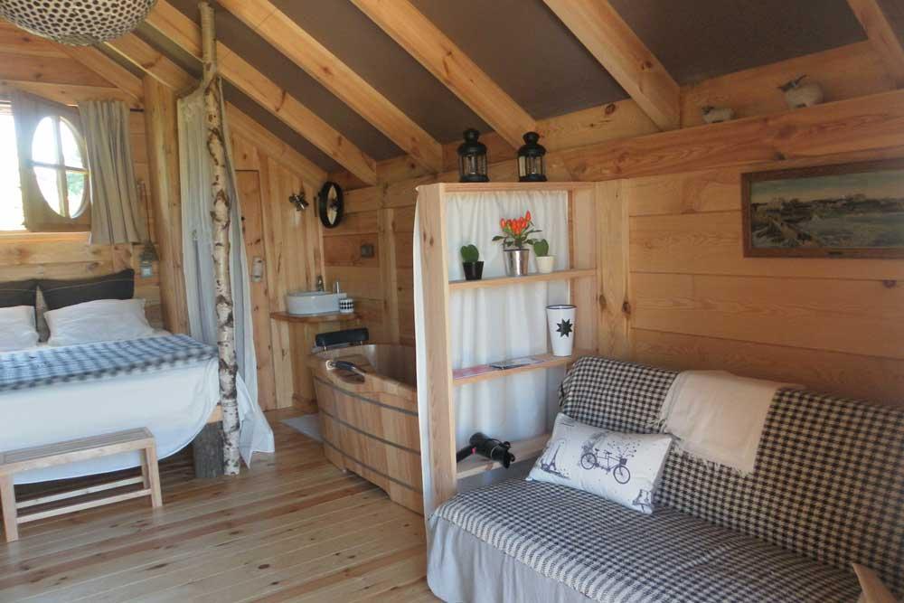 Location de cabane mathilde pays basque les volets bleus for Chambre insolite