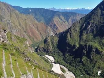 sur dans le vide depuis Machu Picchu