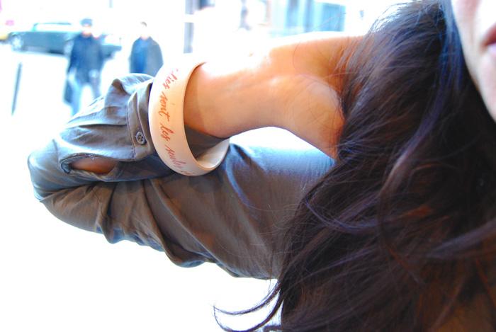 Bracelet décoré à la main. Letters Love Life