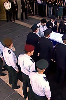 funerali-peres-fotogramma-video