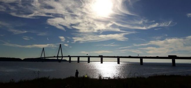 brug naar Mon