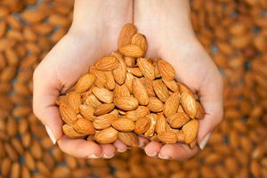 almonds-to-keep-your-skin-healthy