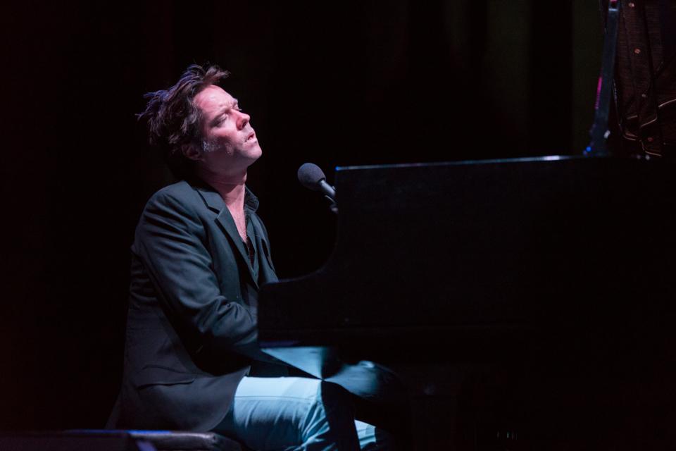 El músico canadiense inicio su carrera en 1993 y ha editado 10 discos de estudio, el más reciente salió en 2012: 'Out of the Game' / Foto: Diego Figueroa