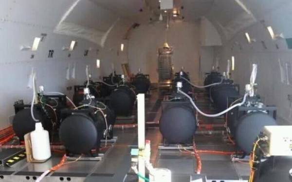 EXPOSED Photos From INSIDE Chemtrail Planes 2