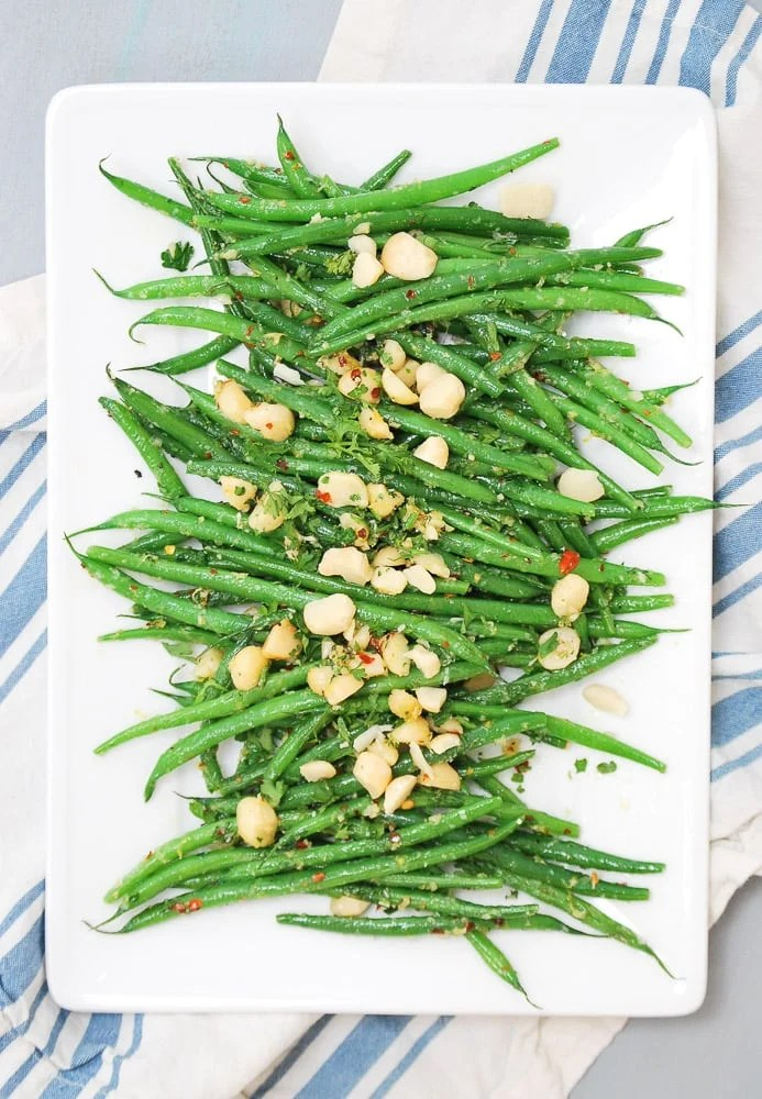 Spicy Green Beans with Crushed Macadamia Nuts_-5