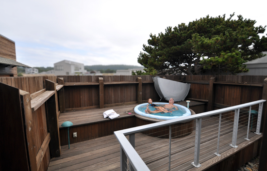 Rental House in Sea Ranch Development - the hot tub