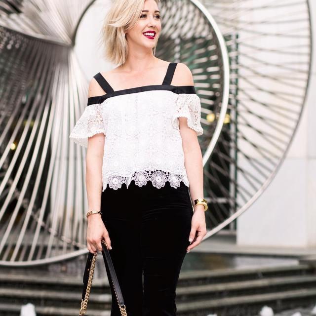 Velvet is a MAJOR fall trend! These velvet pants arehellip
