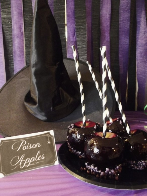 Witchy Halloween Party: Poison Apples from Life with the Crusts Cut Off