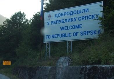Dirigindo pela Bósnia e Herzegovina e Montenegro
