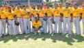 Cubanos encabezan 28 pitchers en apertura prácticas Águilas