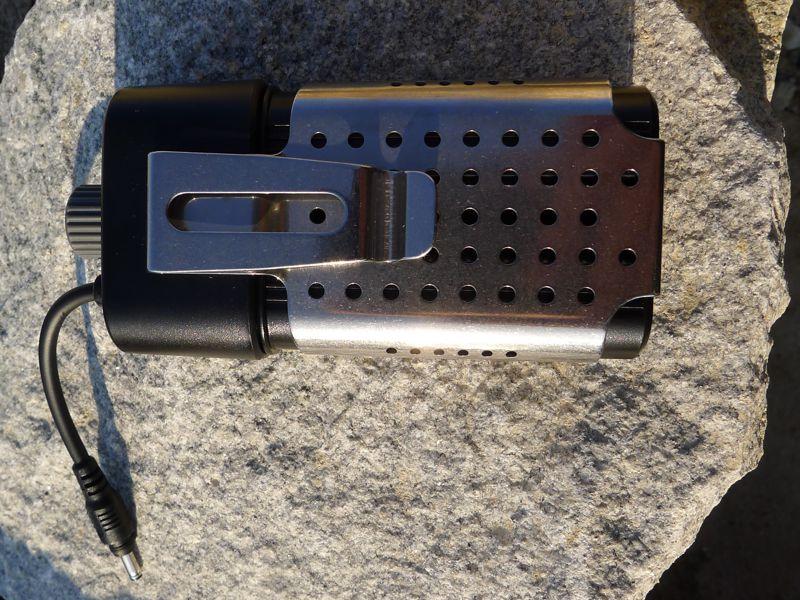 Fenix HP30 - 2x18650 battery pack & metal clip