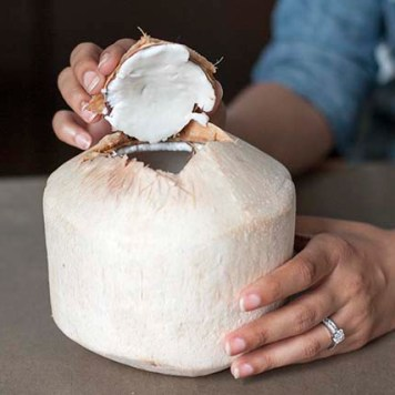 The freshest, easiest coconut smoothie recipe