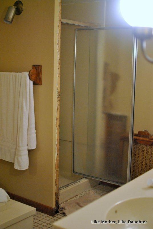 Almond Bathroom Fixtures A Make Do Bathroom Makeover