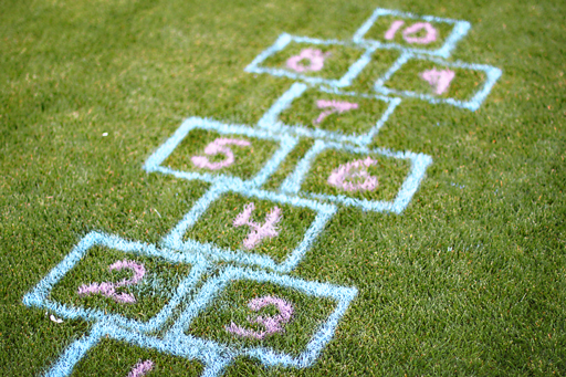 Outdoor and indoor games for kids DIY tutorial on grass 2 via lilblueboo.com
