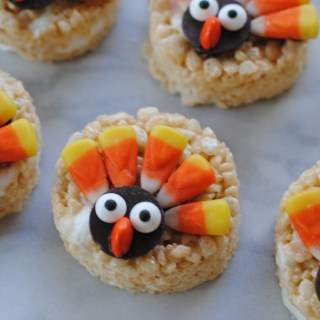 Mini Turkey Rice Krispie Treats…Gobble gobble!