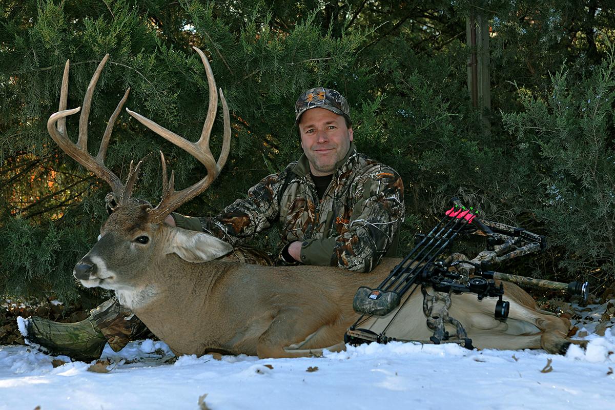 Boone and Crockett buck, deer hunting, Deer Hunting Kansas, deer hunting outfitter, Early Season Whitetails, Giant Whitetails, Kansas Bucks, Kansas Deer Hunting, kansas guided deer hunts, Kansas Whitetails, muzzleloader, Muzzleloader Buck, Muzzleloader Kansas, September bucks, whitetail deer hunting