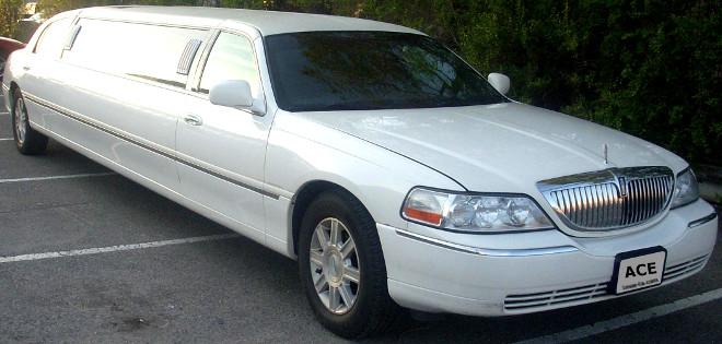 Orange County Lincoln town car limousine & LA town car limo