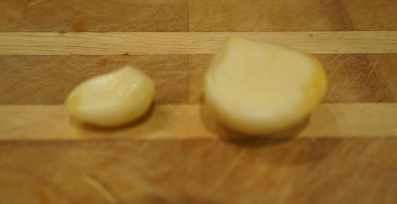 How much garlic should one clove yield