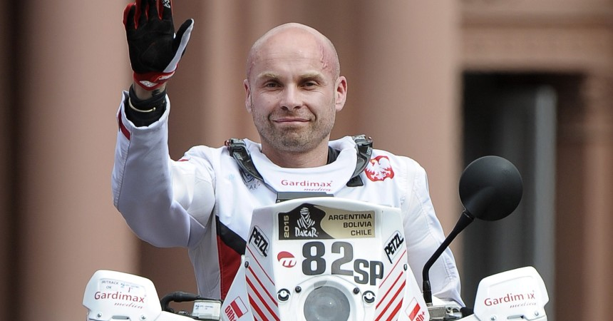 (FILE) Picture taken on January 3, 2015 of Polish biker Michal Hernik of KTM during the symbolic start of the 2015 Dakar Rally in Buenos Aires. Hernik was found dead on January 6, 2015, in the San Juan-Chilecito route, during the stage 3, and according to an official report he showed no accident signs.   AFP PHOTO / ALEJANDRO PAGNI        (Photo credit should read ALEJANDRO PAGNI/AFP/Getty Images)