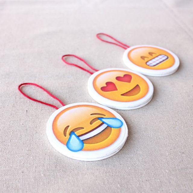 christmas emoji crafts