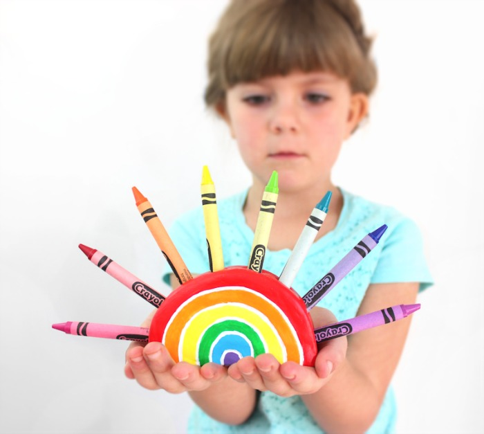 Crayon-Holderbacktoschool